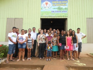 Group photo after sharing with a Sunday School class at Água Azul.